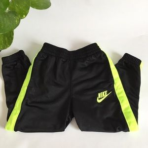Nike | Black and yellow joggers size 3T